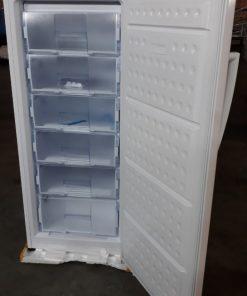 Bên trong tủ đông đứng Hòa Phát HCF 280S 280 lít