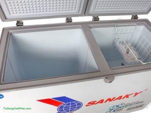 Bên trong tủ đông Sanaky INVERTER VH-2899W3, 230L 2 ngăn đông mát