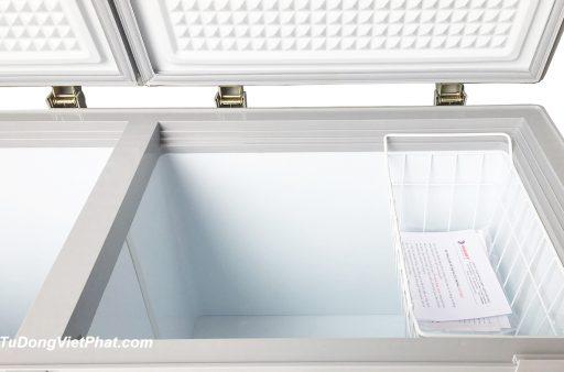 Bên trong tủ đông Sanaky VH-4099W1