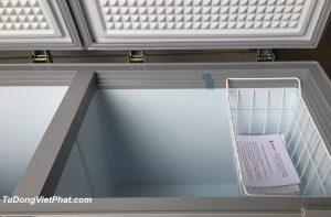 Bên trong tủ đông Sanaky INVERTER VH-4099W3, 300L 2 ngăn đông mát
