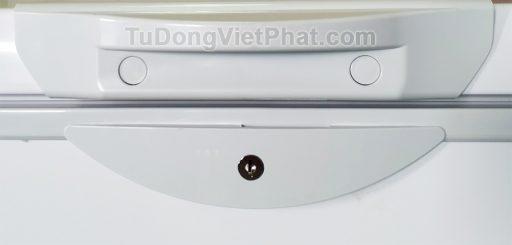 Khóa và tay nắm của tủ đông Hòa Phát 252L HCF 516S1N1