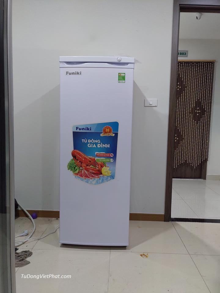 Tủ đông đứng Hòa Phát HCF 220S 216 lít 8 ngăn lắp đặt tại Ecopark