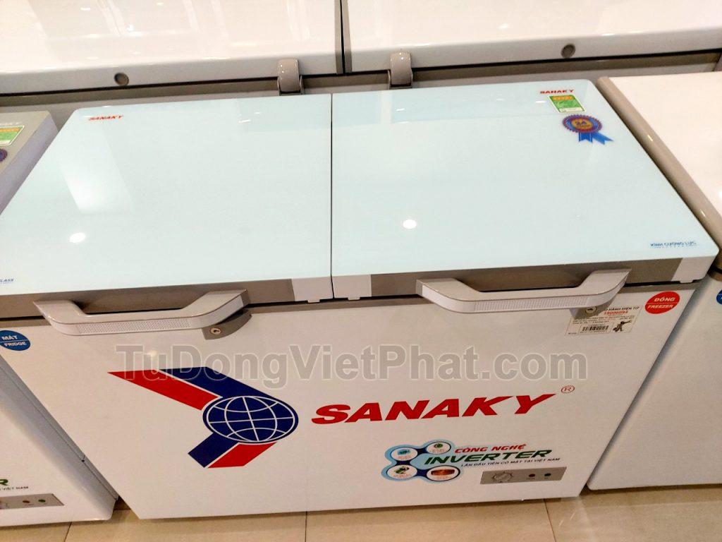 Mặt kính của tủ đông Sanaky INVERTER VH-4099W4KD mặt kính cường lực