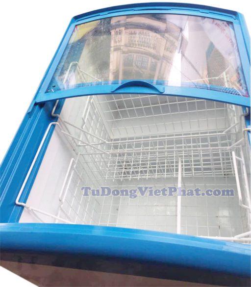 Bên trong tủ đông Sanaky VH-282K, mặt kính cong