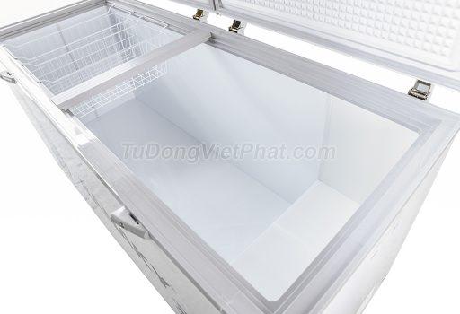 Bên trong tủ đông Sanaky INVERTER VH-8699HY3