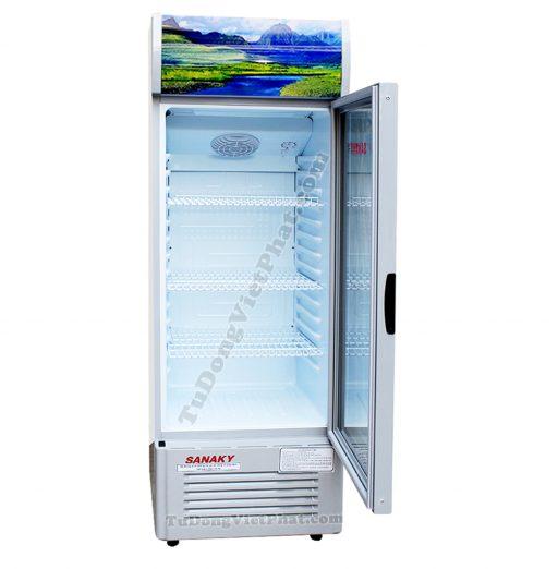 Bên trong tủ mát Sanaky VH-308K3