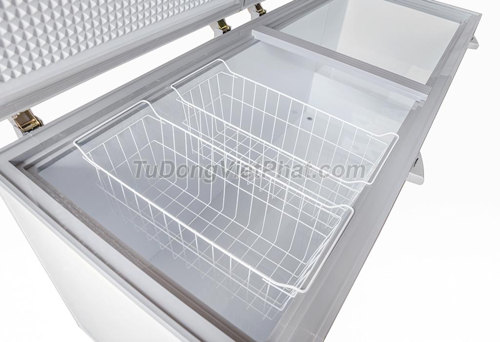Bên trong tủ đông Sanaky VH-8699HY