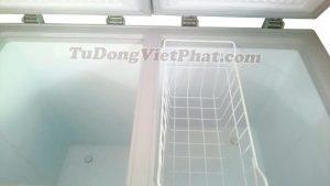 Bên trong tủ đông mini Sanaky VH-2299W3 Inverter