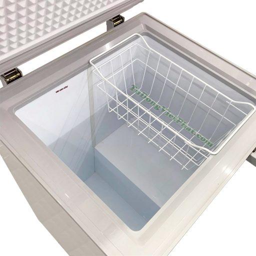 Bên trong tủ đông Sanaky 100 lít VH-1599HY dàn đồng