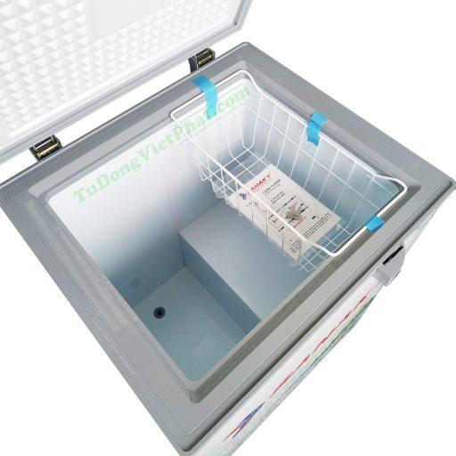 Bên trong tủ đông Sanaky 100 lít VH-1599HYK mặt kính xám