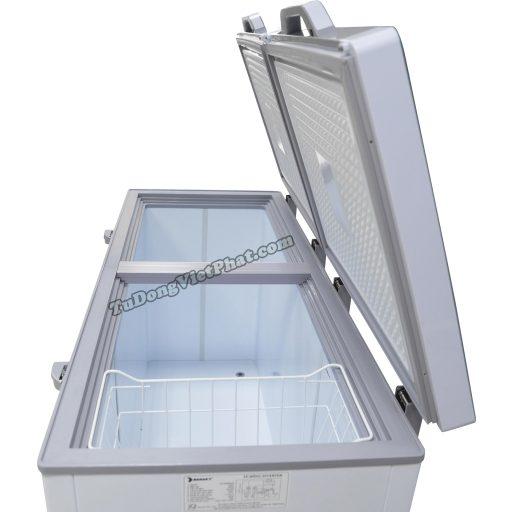 Bên trong tủ đông Sanaky INVERTER VH-4099A4KD