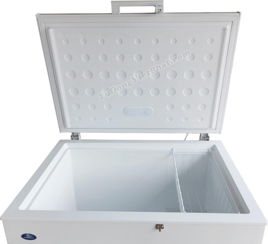 Bên trong tủ đông Sanden Intercool SNH-0265 260L 1 ngăn đông