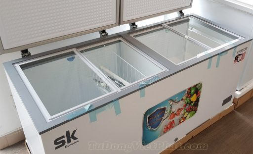 Bên trongtTủ đông Inverter Sumikura SKF-600DI 600L 2 ngăn đông mát