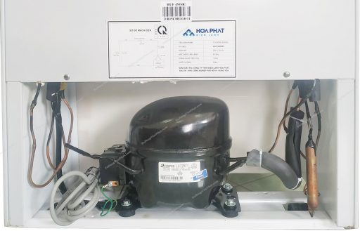 Máy nén của tủ đông đứng Hòa Phát HUF 450SR1 208 lít 7 ngăn