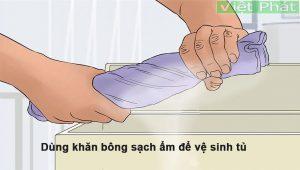 Hướng dẫn cách vệ sinh tủ đông Hòa Phát nhanh nhất